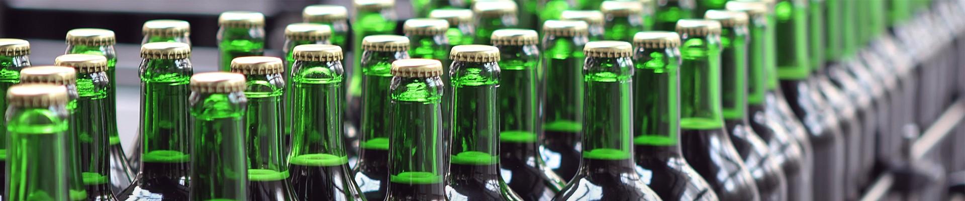 Het produceren van bierflesjes